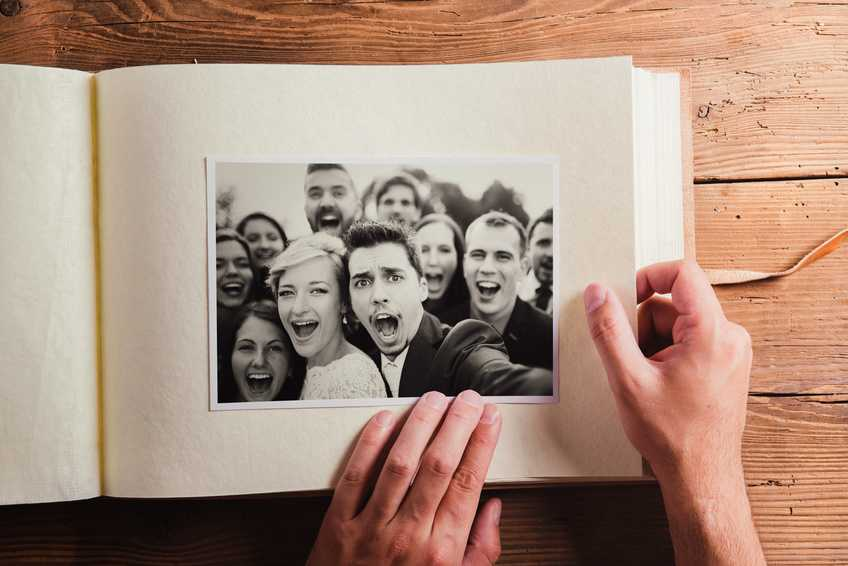 Momentinės nuotraukos vestuvėse _ vestuviupadejejas.lt vestuviu katalogas